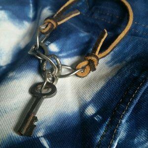 Cool Skeleton key bracelet